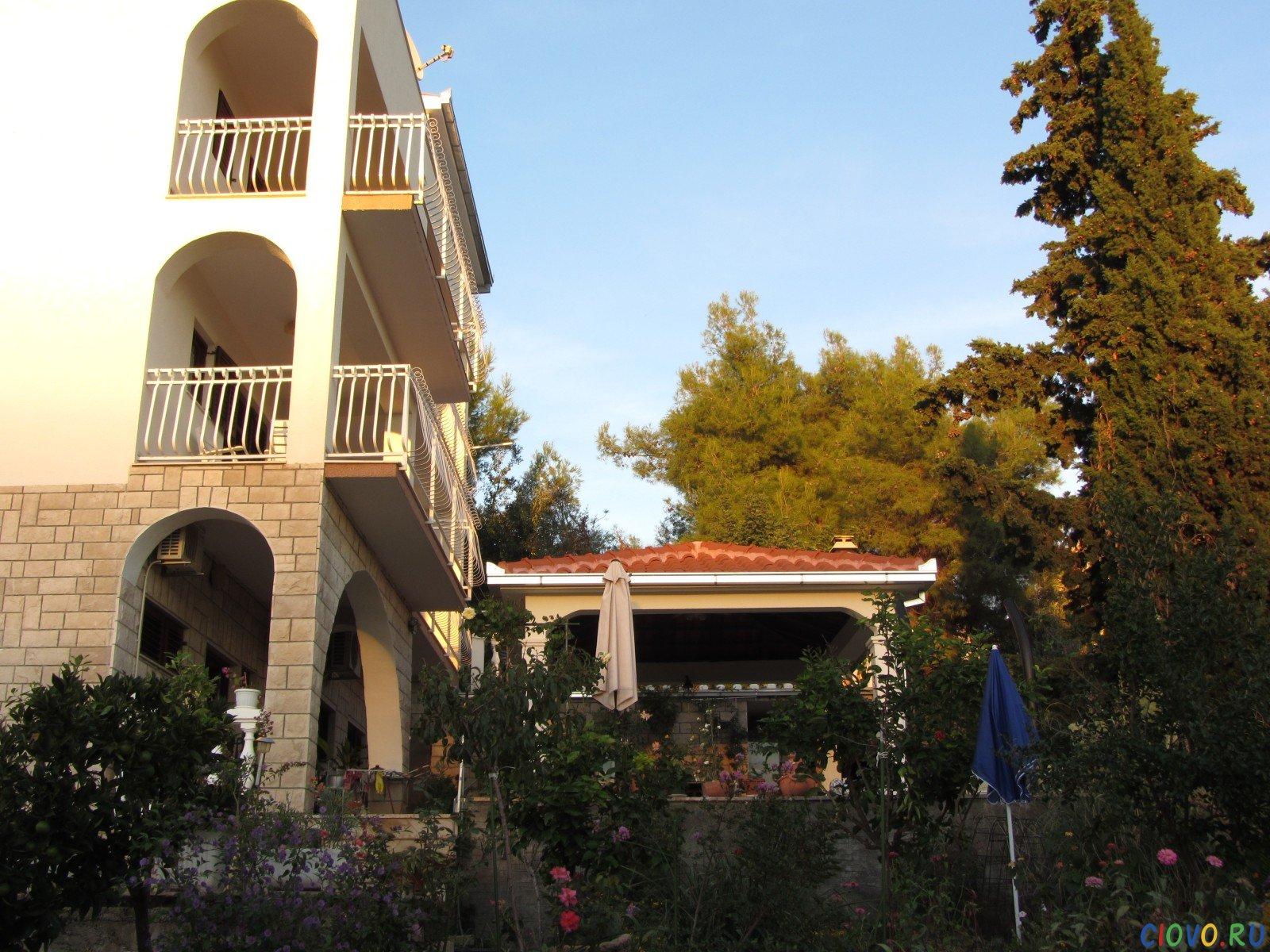 Apartments Punta Liveli in Croatia on island Ciovo, Mavarstica